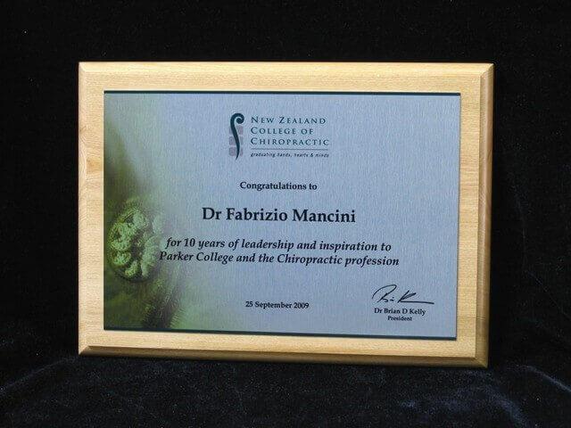Rimu wood plaque – silver