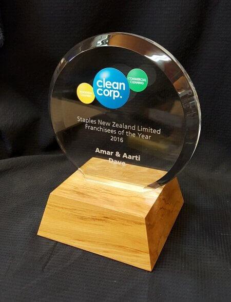 Circle acrylic trophy
