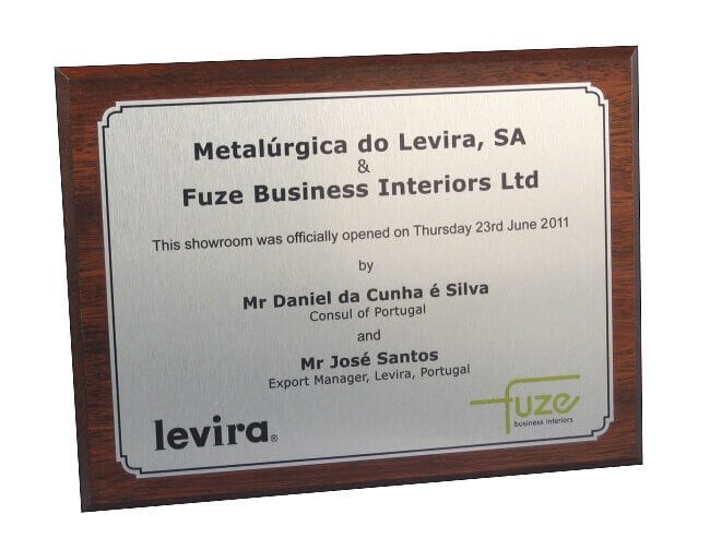 Mahogany plaque with title plate – silver